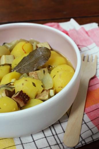 animal,sensible,pommes,terre,tofu,patates,jaunes,safran,vegan,végétalien,anger,repas,saison,provence,recette