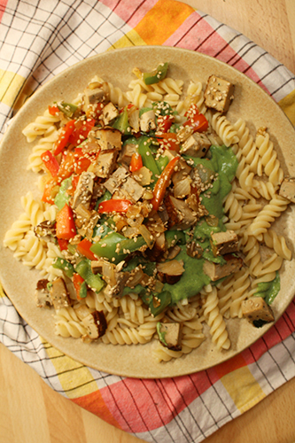 vegan,végétalien,recette,blog,animal,sensible,pâtes,blettes,tofu,crème,poivron,déjeuner,été