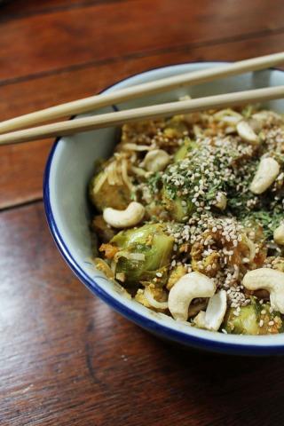 animal,sensible,blog,recette,vegan,végane,végétalien,nouille,asiatique,soja,bruxelles,choux,cajou,tofu,sésame